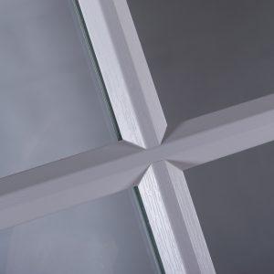 close up of sash window bevel putty